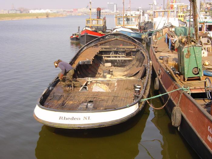 staal pakket sleepboot